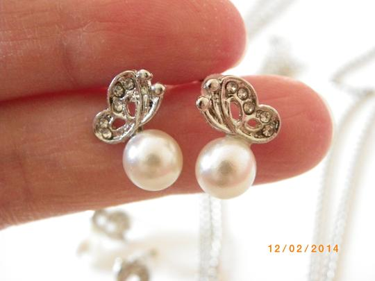 Cream Of 7 Rhinestone Crystal Pearl Pretty Butterfly Of Necklace and Earring Jewelry Set