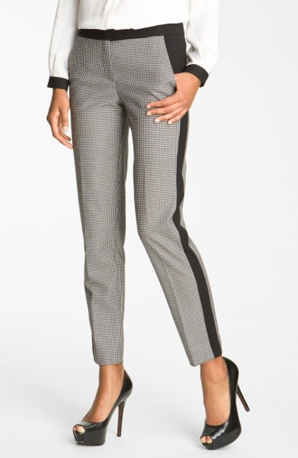 Preload https://img-static.tradesy.com/item/152008/vince-camuto-black-with-checkered-pattern-name-colorblock-houndstooth-ankle-straight-leg-pants-size-0-0-650-650.jpg