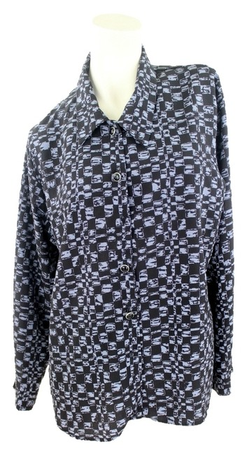 Preload https://item5.tradesy.com/images/unbranded-button-down-shirt-1520164-0-0.jpg?width=400&height=650