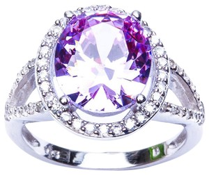 9.2.5 stunning amethyst and white sapphire royal cocktail ring size 8.