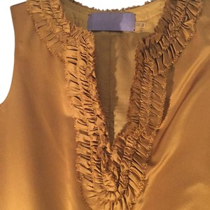 Vera Wang Lavender Label Top Yellow Gold