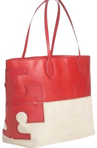 Tory Burch Tote in Lobster/natural