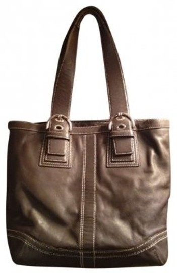 Preload https://item3.tradesy.com/images/coach-brown-leather-shoulder-bag-152072-0-0.jpg?width=440&height=440