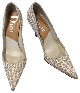 Dior White, Beige Pumps
