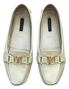 Louis Vuitton Tan Flats