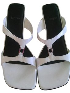 Impo white Pumps