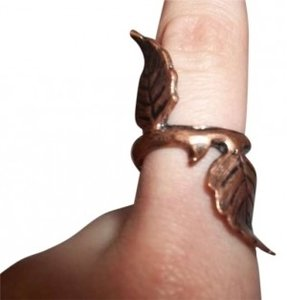 Urban Outfitters Bronze Leaf Ring