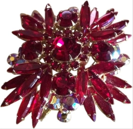 Non signed 1950's Vintage Marquise Red Rhinestone Brooch