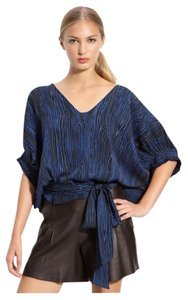 Diane von Furstenberg Top Navy with black