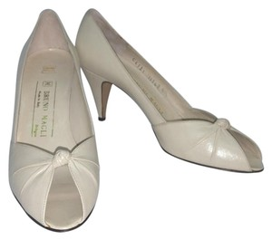 Bruno Magli Creme Leather Pumps