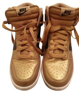 Nike Metallic Gold/Black Athletic