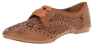 Report Signature Tan Flats