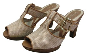 Naturalizer Size 7.00 M Butterscotch, Neutral Sandals