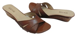 Kenneth Cole Size 7.50 M Very Good Condition Brown Wedges