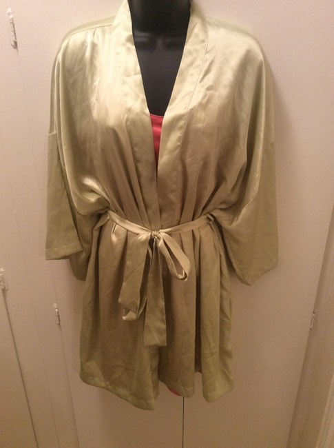 Item - Lime Green Robe and Pink Silk Slip with Satin