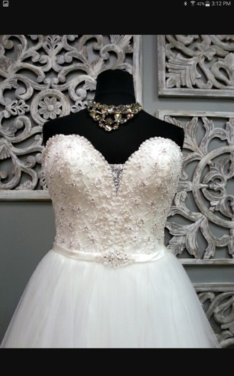 Maggie Sottero Ivory Tull Enza Traditional Wedding Dress Size 16 (XL, Plus 0x) Image 3