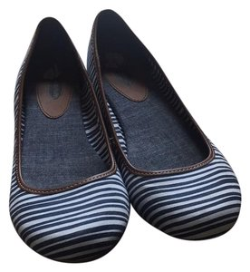 Dr. Scholl's Navy and White Flats