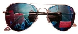 Betsey Johnson Nwt - Aviator with reflective/mirrored lenses and gold-tone frame - HOT!!!! HOT!! HOT!!!