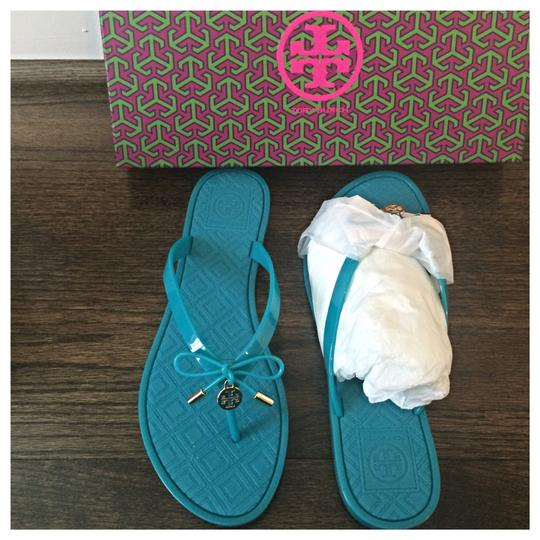 a3ff9c176477 Tory Burch Jelly Bow Thong Flip Flops Turquoise Sandals Size US 7 ...