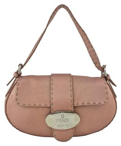 cece83c9dfc6 Fendi Selleria Bags - Up to 70% off at Tradesy (Page 3)