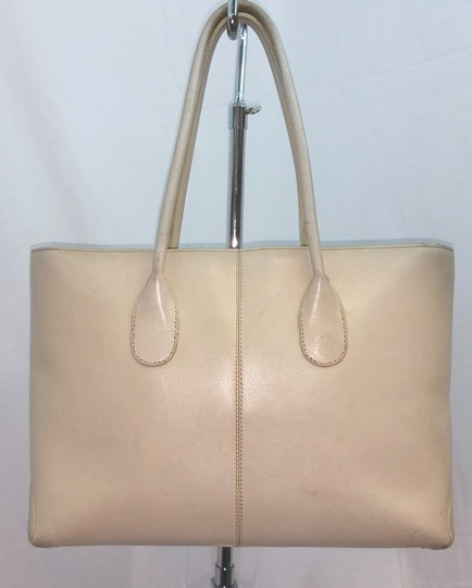 Tod's Beige Leather Tote Image 2