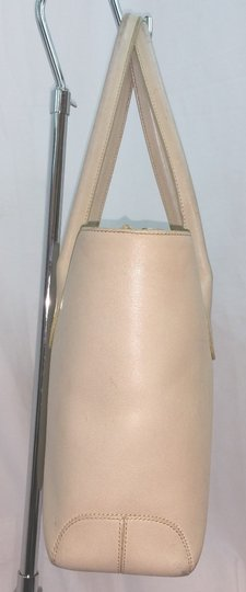 Tod's Beige Leather Tote Image 3