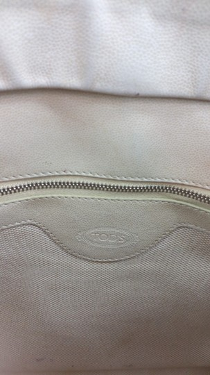 Tod's Beige Leather Tote Image 5