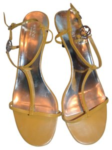 Gucci Leather Strappy yellow leather Sandals