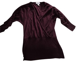 Ann Taylor LOFT V Neck Three Quarter Sleeve 3/4 Sleeve Oxblood Burgundy Wear With Jeans Top Plum