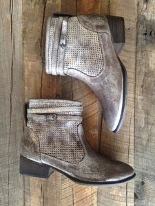 Seychelles Pewter Sz 8 Distressed Boots