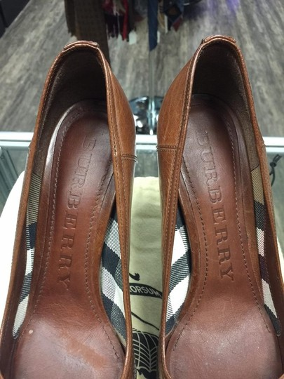 Burberry brown Pumps Image 9