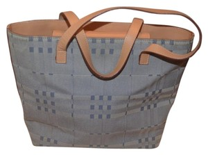 Burberry Tote in gray/blue