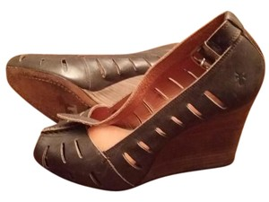 Frye taupe Wedges