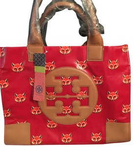 Tory Burch Tote in Red/ Multicolor/ Printed