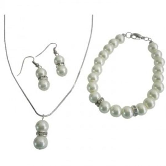 Preload https://img-static.tradesy.com/item/152445/cream-find-inexpensive-jewelry-set-0-0-540-540.jpg