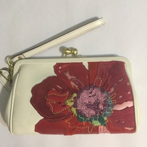 Coach poppy flower suede kiss lock white and pink leather wristlet coach poppy limited edition wristlet in white and pink mightylinksfo