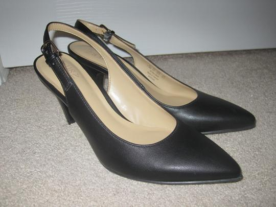Naturalizer Black Pumps Image 4