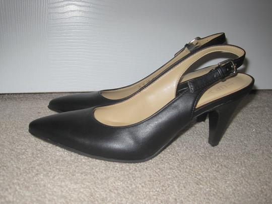 Naturalizer Black Pumps Image 7