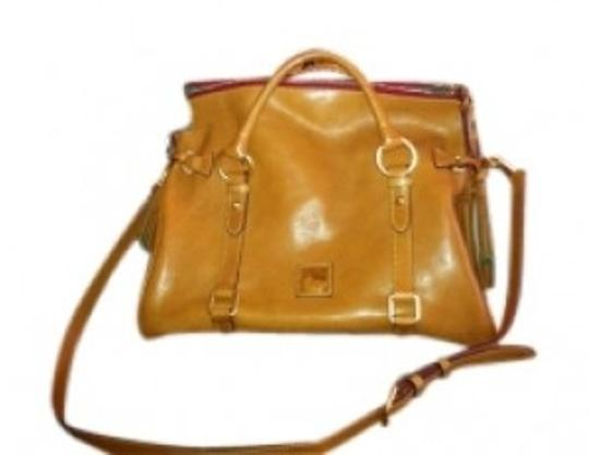Preload https://item4.tradesy.com/images/dooney-and-bourke-florence-vachetta-natural-leather-satchel-152468-0-0.jpg?width=440&height=440