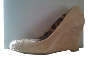 Jessica Simpson Beige, Nude, brown Wedges