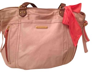 JUICY COUTURE LARGE BAG in a tan straps, coral details ibluding bow excelelnt condition ,, precious bag Tote