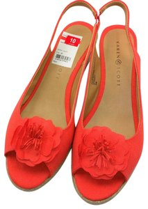 Karen Scott Coral Wedges