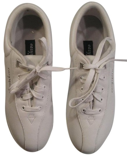 Preload https://img-static.tradesy.com/item/15251548/easy-spirit-white-nwot-leather-lace-up-loafersshoes-9b2a-sneakers-size-us-9-regular-m-b-0-1-540-540.jpg