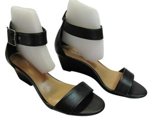 Merona New Size 6.00 M Black Wedges