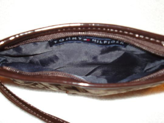 Tommy Hilfiger Wristlet in Brown/Tan Image 5