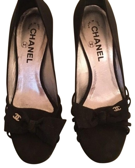 Preload https://img-static.tradesy.com/item/15255664/chanel-evening-black-satin-375-pumps-size-us-75-narrow-aa-n-0-1-540-540.jpg