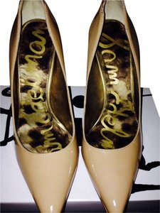 Dolce Vita Stiletto Gold Heel Snakesk Patent Leather Nude Pumps