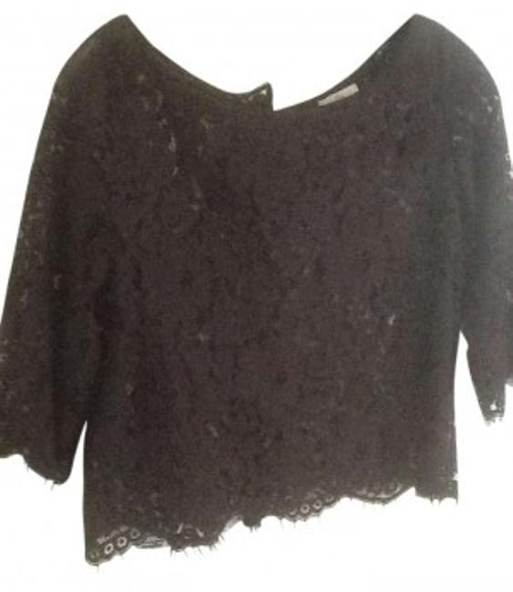 Preload https://item4.tradesy.com/images/joie-blouse-size-4-s-152563-0-0.jpg?width=400&height=650