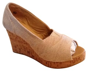 Carrini Tan Beige Sandals
