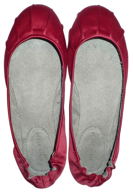 Item - Red Pleated Satin Ballet Flats Size US 7 Regular (M, B)